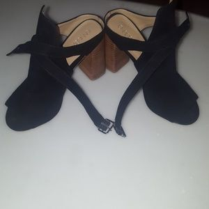 Beautiful black abound sandals.